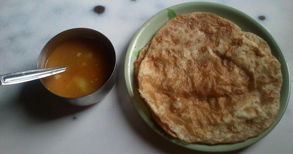 Aloo poori, vegetarian food in Nagaland